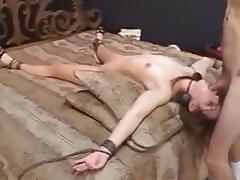 Amatriçe, BDSM, Esclavage, Sperme dans la bouche