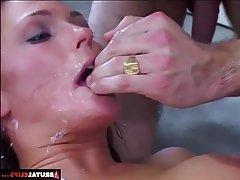 Anal, Fellation, Double pénétration, Hardcore