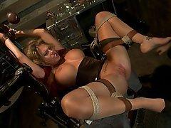 BDSM, Blondine, Schwarz, Fisting