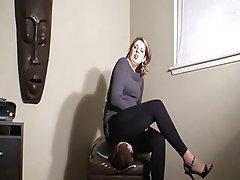 Sezení na obličeji, Žena nadvláda