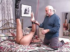 BDSM, Grands seins, Brunettes, Fétichisme des pieds