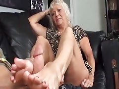 mom foot porn Wanna see mom feet pics?