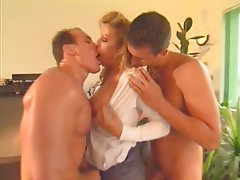 Prsíčka, Dvojitá penetrace, Francie, Tvrdé sex