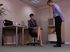 Donna dominante, Feticismo del piede