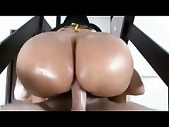 Sexy naked girls pisssing