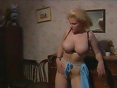 Büyük göğüsler, Kıllı, Italyan, Porno yıldızı