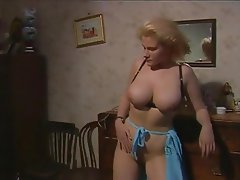 Grands seins, Poilue, Italien, Star du porno