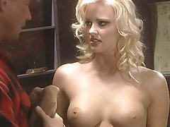 Blowjob, Grosse Boobs, Blondine, Gesichtsbehaarung